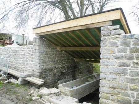 Restauration du lavoir à Matagne-la-Petite